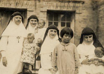 1932-40. En China. Sor Dolores, sor Carmela, M. esperanza y