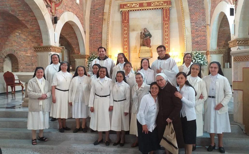 PRIMERA PROFESIÓN RELIGIOSA DE GLORIA, CRUZ Y JASMEIRY